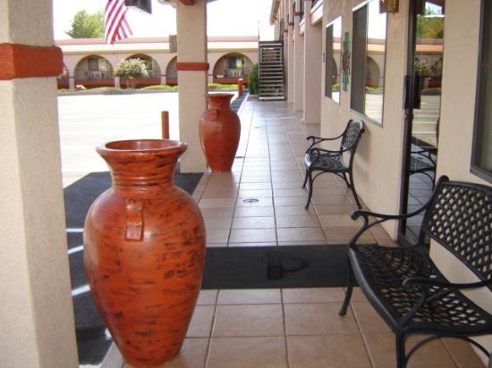Days Inn Sedona : Lobby Entrance