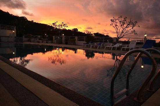Arita Hotel: Piscina sul tetto