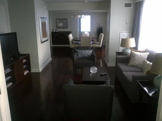 وستن بوك كاديلاك ديترويت: Room 1