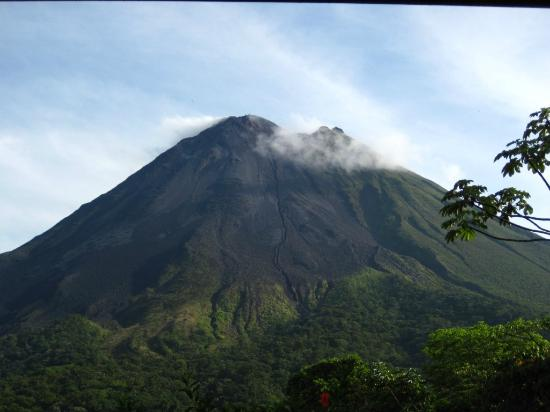 Arenal Observatory Lodge & Spa: Every room offers the best view of the volcano!