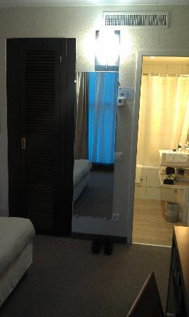 Novotel Geneve Centre: room 301