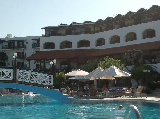 Creta Maris Beach Resort: hotel Maris building