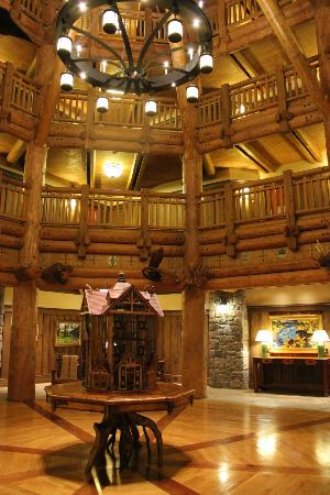 Villas at Disney's Wilderness Lodge: Villas at Wilderness Lodge Lobby