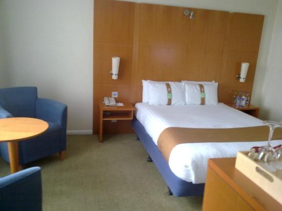Holiday Inn Milton Keynes: HI Milton Keynes - Comfortable Bed
