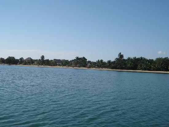 Belizean Dreams Resort: view from boat
