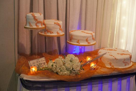 Springfort Hall Country House Hotel: Cake set up beautifully