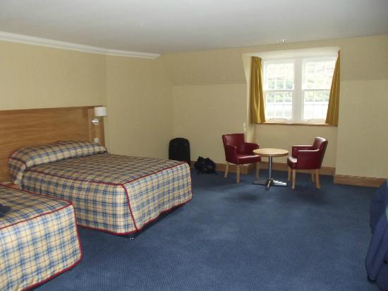 Ardgartan Hotel: Room 402