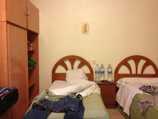 Hostal Casa Bueno: camera tripla