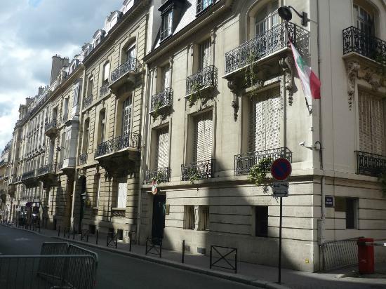 Hotel Victor Hugo Paris Kleber: Rue Copernic.