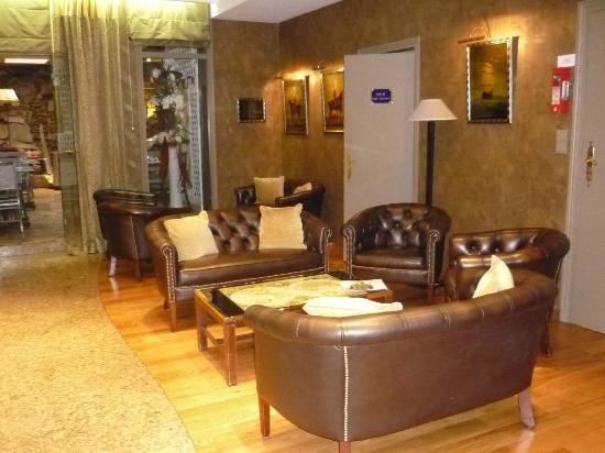 BEST WESTERN Hotel Victor Hugo Paris: Lobby.