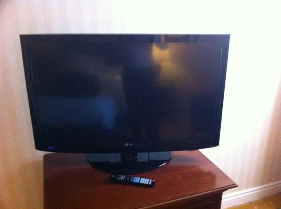 Best Western Plus Birmingham NEC Meriden Manor Hotel: Massive tv in room