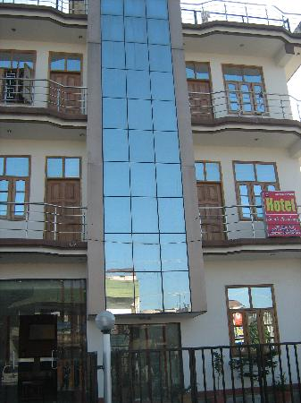 hotel gomti residency front view