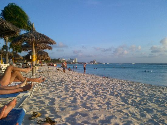 Boardwalk Hotel Aruba: op nog geen 5 minuten lopen zit je hier