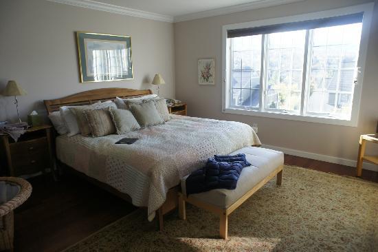 Topnotch Resort: Master bedroom