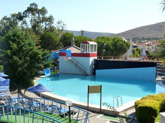 Kaya Prestige Sunshine: Jeden z basenów