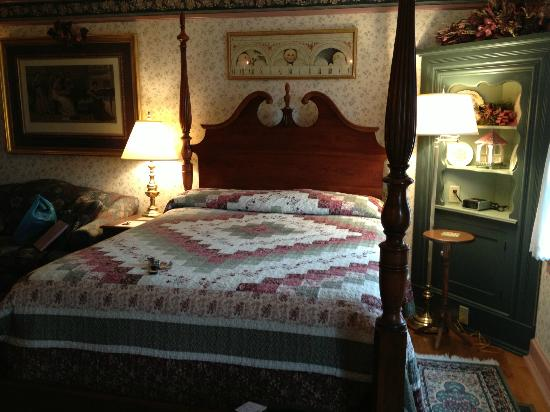 The Polly Harper Inn: Room