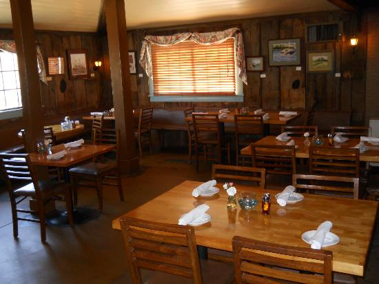 Moon's: Main dining room