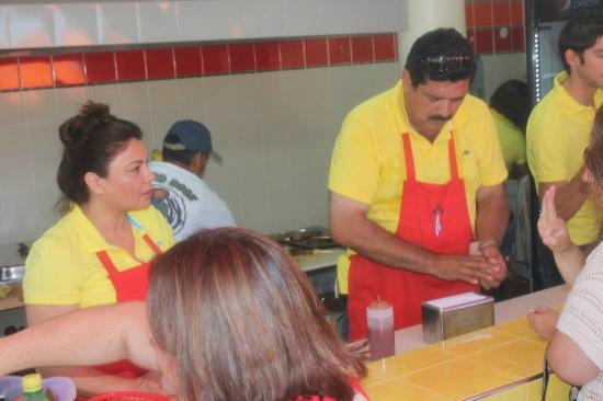 Tortas El Turco : Despachando tortas!