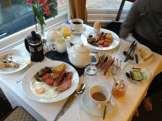 Emsley Guest House: Breakfast