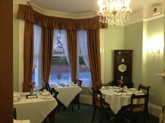 Emsley Guest House: Dining room