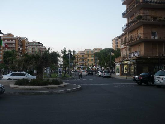 Hotel Villa Margherita: Walking around Ladispoli.