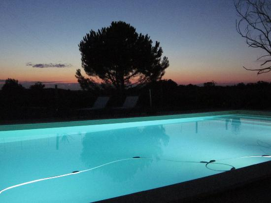 Le Cros B&B: the pool in the evening.