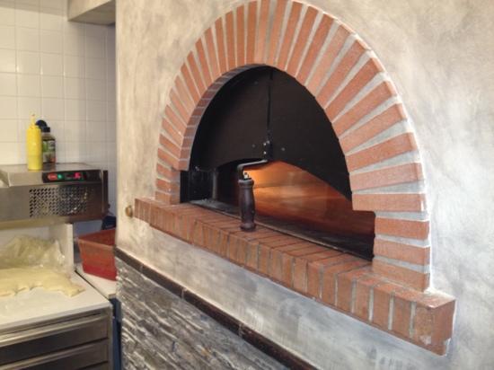 Focacceria La Piazzetta: forno pizza