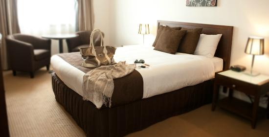 Horsham International Hotel: Deluxe Queen Suite