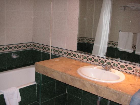 فندق فوليوبيلس: Salle de bains