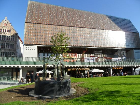 Belfort Restaurant: 81