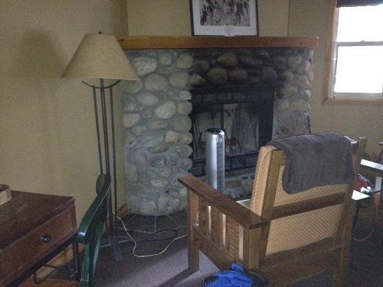 بافالو ماونتن لودج: Beautiful stone fireplace 