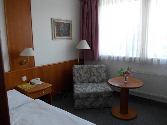 INTERHOTEL BOHEMIA: the sleeping area in a single room