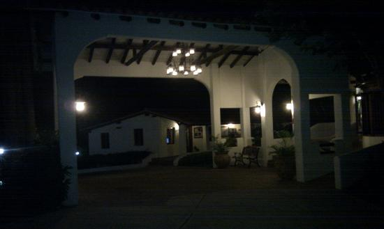 Sugar Cane Club Hotel & Spa: front of house