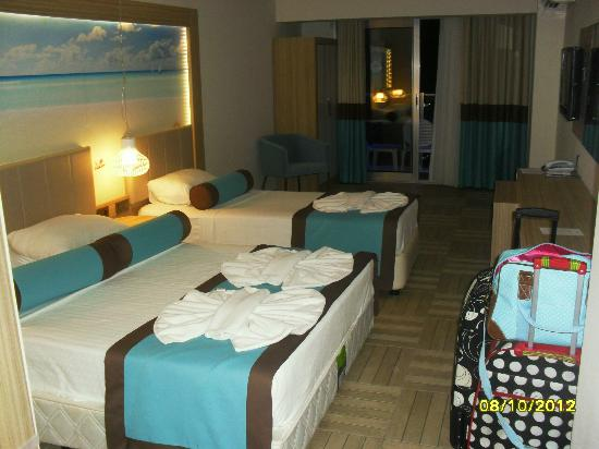 Blue Bay Platinum Hotel: our room upon arrival