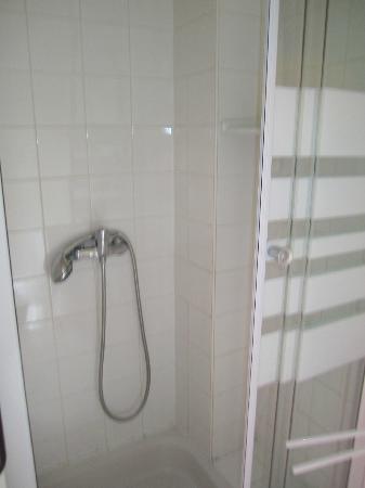 Hotel Alma : Bathroom