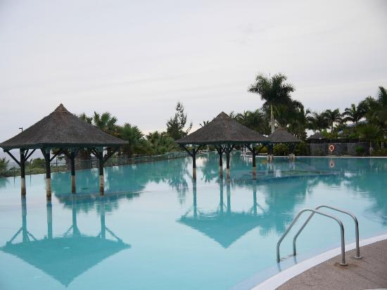 Gran Melia Palacio de Isora Resort & Spa: Infinity Pool (Salt Water)