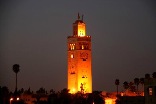 Riad Sidi Mimoune: La Koutoubia vue de la terrasse...
