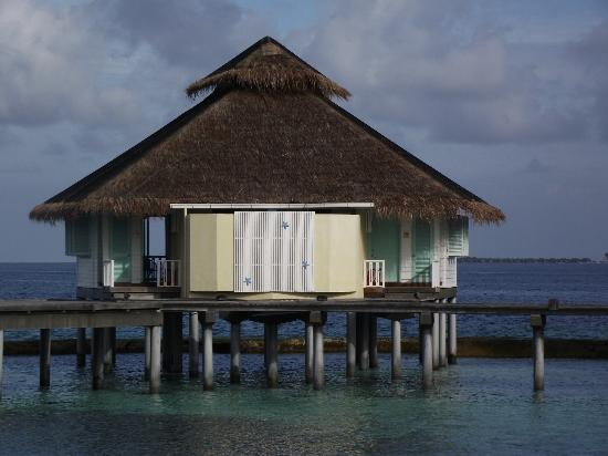 Ellaidhoo Maldives by Cinnamon: Water Bungalow 413