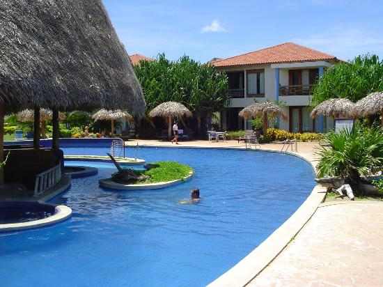 Ecoplaya Beach Resort: piscina del hitel