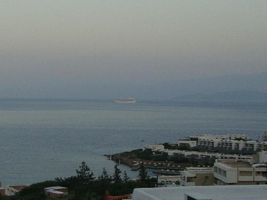 Elounda Ilion Hotel: Twilight