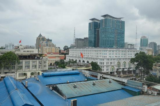 Royal Hotel Saigon ( Kimdo Hotel): Вид из номера
