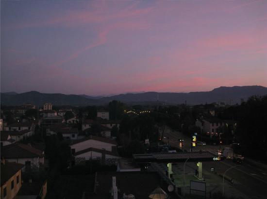 Hotel Napoleon : Morning view