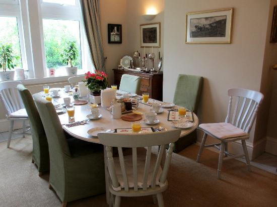 High Beeches: Breakfast dining