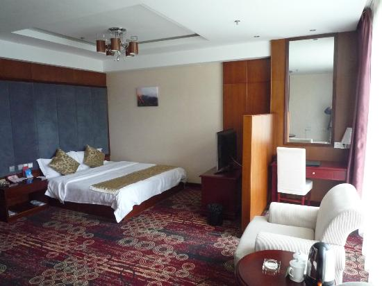 Hong Kong City Holiday Hotel: ビジネスルーム bed