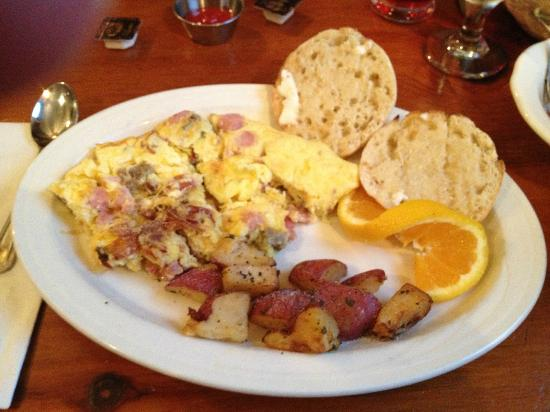 Christmas Farm Inn & Spa: over abundant breakfast