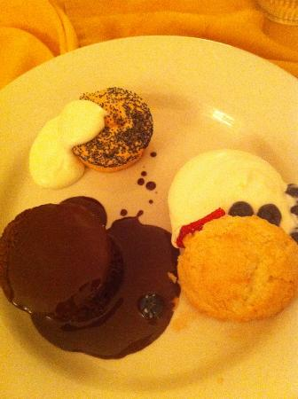 Lake Austin Spa Resort: 3 desserts a night--this night was killer from room service.