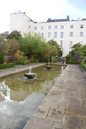 The Merrion Hotel: Gardens