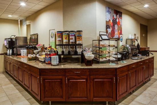Country Inn & Suites By Carlson, Crystal Lake: CountryInn&Suites CrystalLake BreakfastRoom