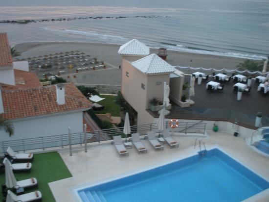 Vincci Seleccion Aleysa Hotel Boutique & Spa : Vista mare e piscina
