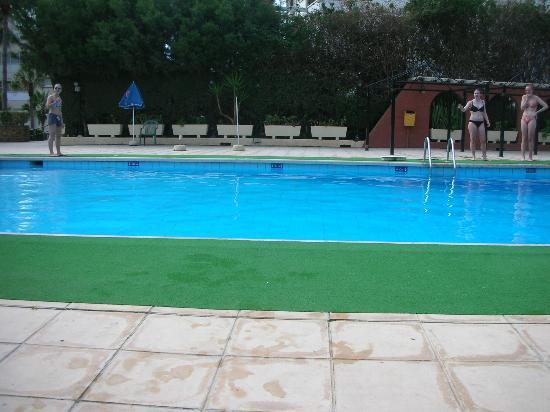 Navarria Hotel: бассейн